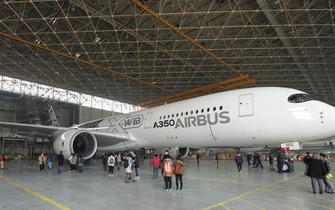 空客A350-900成功完成首航