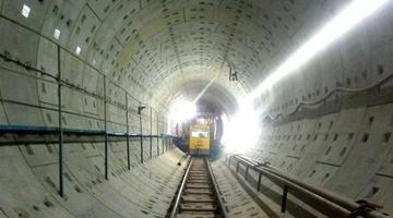 石家庄地铁3号线下穿高层建筑群