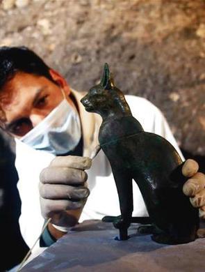 埃及发现七座法老墓葬