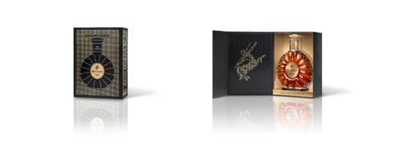 礼盒设计采用优雅的黑色和金色,愈加衬托出人头马X.O瓶身的耀眼光辉