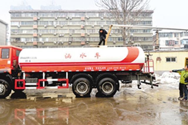 河北省高速公路部门奋力除雪保畅通
