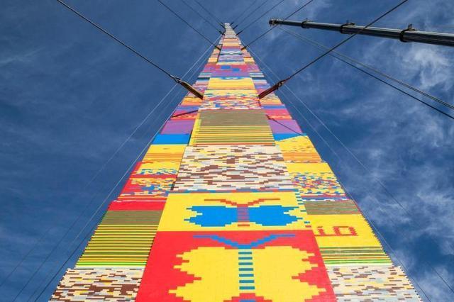 以色列民众用乐高积木砌高塔 欲打破世界纪录