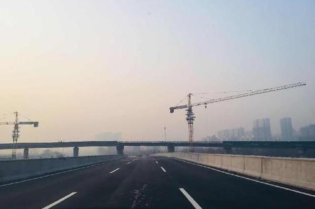石家庄:东南二环立交桥东西向主线正式通车