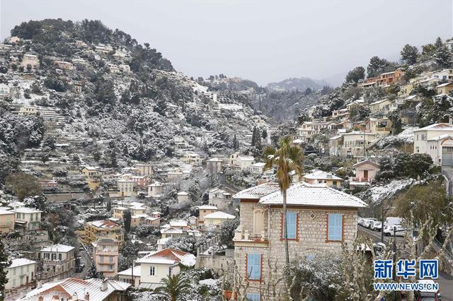 法国遭遇极寒天气 地中海沿岸罕降大雪
