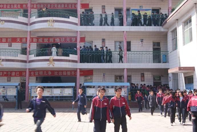 """2018年招生""""十禁"""" 严禁宣传中高考状元和升学率"""