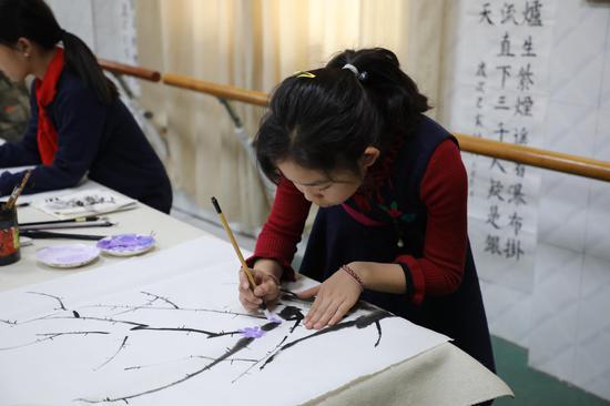 二七区王庄小学举办现场书画比赛