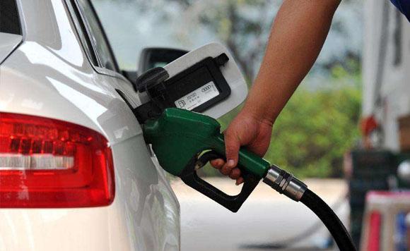 成品油价或迎下调 私家车加满油少4.5元