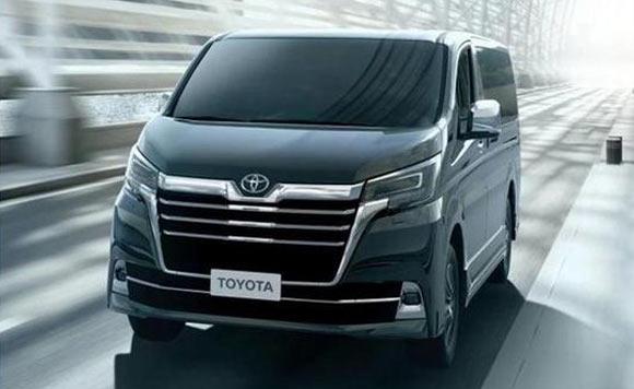 丰田全新MPV实车曝光 竞争别克GL8