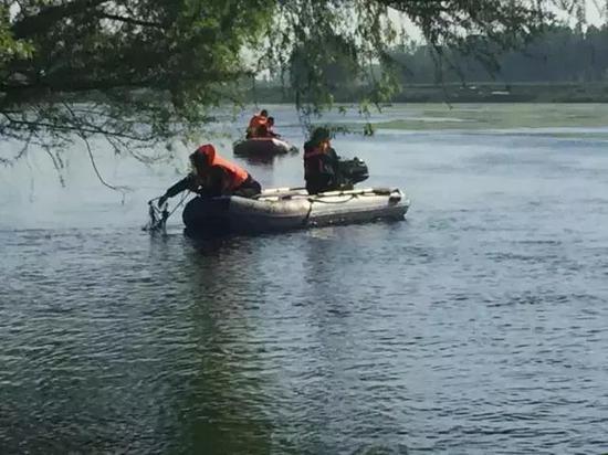 濮阳2名学生落水失踪 遗体已被找到