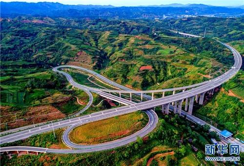 航拍河南云中高速 最美天路计划2020年建成通车