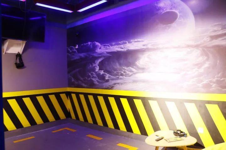 爽翻了!郑州这家室内VR体验馆简直满足了我对游戏的所有幻想