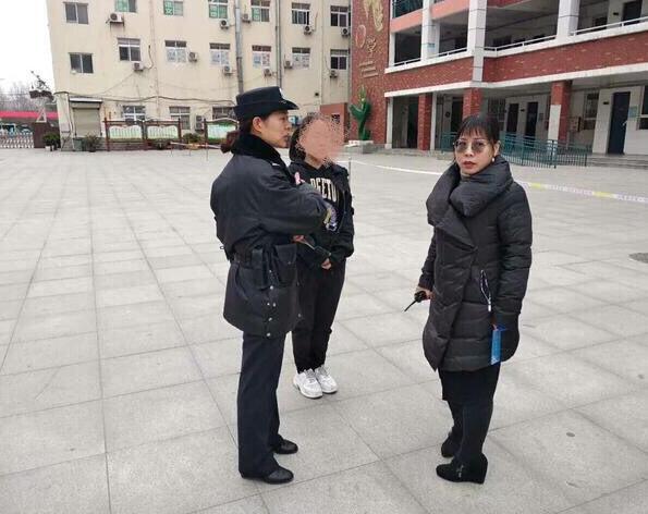 忘带身份证被拒考 郑州民警暖心帮助让考生泪流满面