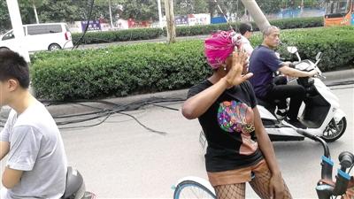郑州交通违法整治 俩外籍人士因交通违法被处罚