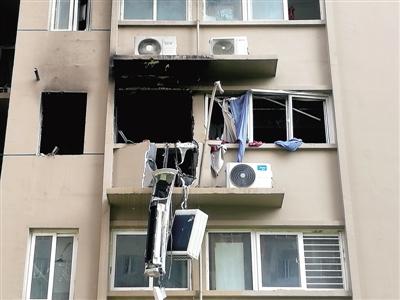 郑州:因燃气器具安装不当 天然气爆炸波及5户邻居