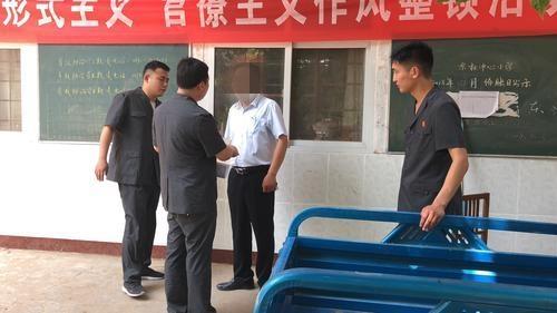 """许昌:老赖和妻子演""""双簧""""装病 体检没病被拘留"""
