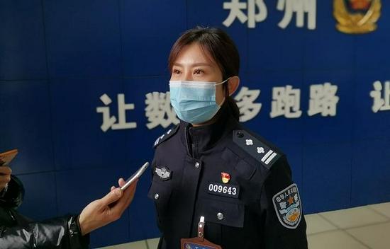 电子驾驶证申领首日太火爆郑州交警提醒大家注意这些问题:前