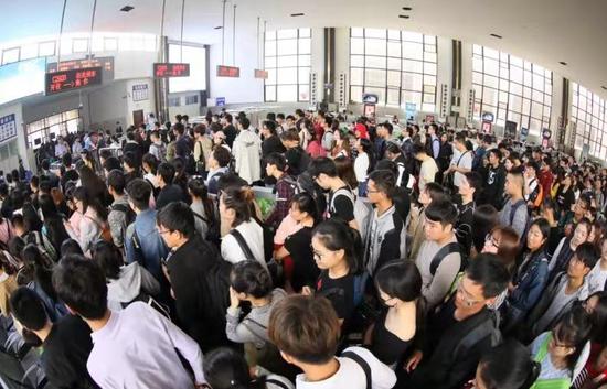 """各大火车站""""鲜""""资讯"""