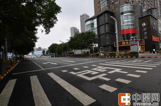 郑州,正在加快建设国家中心城市,打造一座整洁、有序、舒适、愉悦的城市。