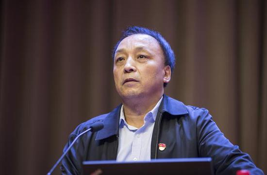 时时乐 面包_郑州市教育局党组成员、副调研员张少亮讲话。