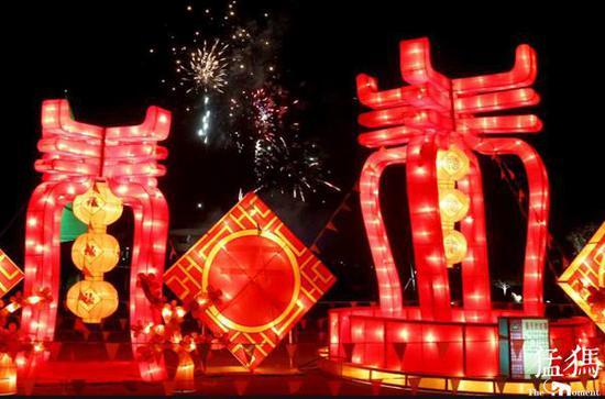 正月十五赏花灯 郑州交警提醒:错峰出游、避免