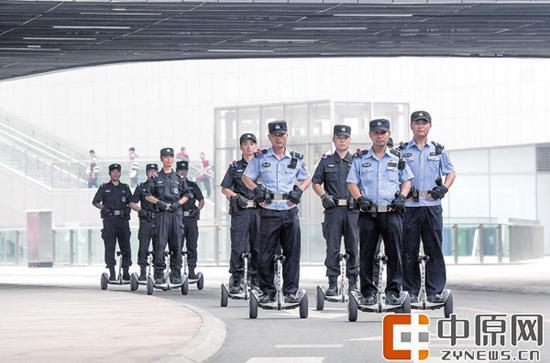武装巡逻特警保驾护航