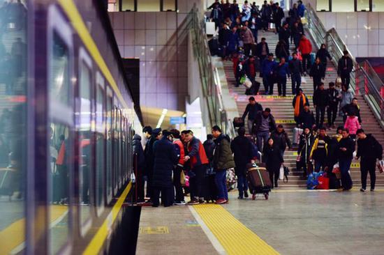 客流高峰来啦!郑州铁路预计发送旅客33.5万