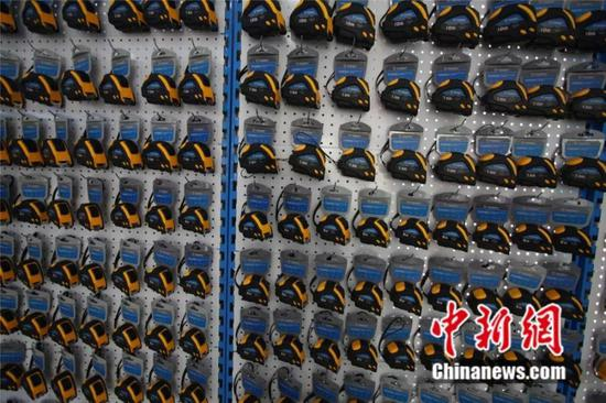 虞城产的钢卷尺 虞城县委宣传部供图