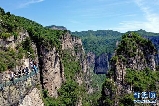 这是5月21日无人机拍摄的河南焦作市修武县云台山景区。 新华社记者李嘉南摄