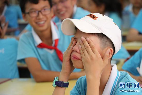 男儿有泪不轻弹。