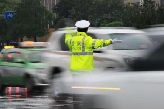 14、16日 郑州部分道路和奥体中心及周边将实施临时交通管制