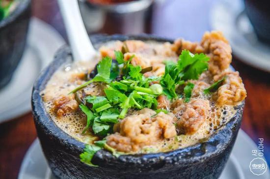 一口热汤驱走寒气,这些砂锅瓦罐小馆子让你暖胃又暖身!