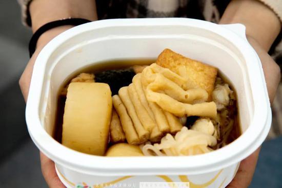 实探郑州7-11便利店,排队1小时GET爆款零食大测评!