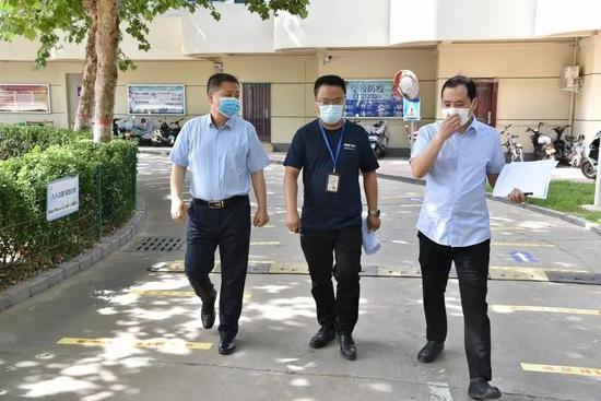 河南信息统计职业学院:迎接防疫工作检查 扎实做好返校准备工作