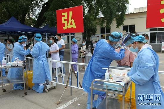 河南许昌:核酸检测确保医患安全(图)