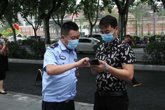 驾驶证补办、机动车年审……郑漂一族最想知道的10大问题解答来了