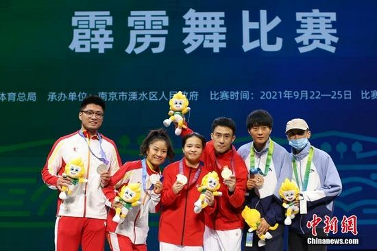 霹雳舞女子冠军赛举行 河南刘清漪夺冠(图)