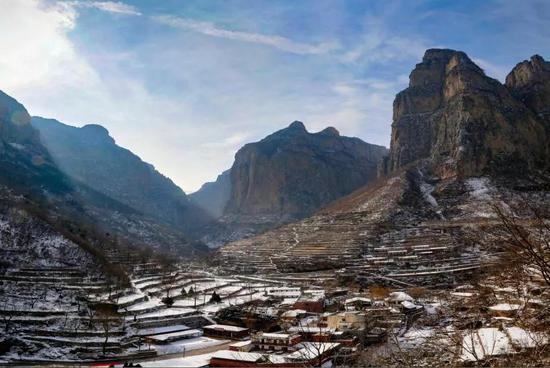春节期间来太行大峡谷赏冬韵,冰挂、雾凇满足你对冬天的所有幻想!