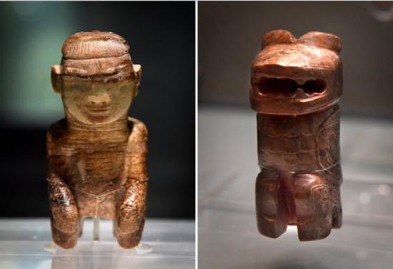 在安阳博物馆展出的妇好墓出土文物(拼版照片,10月12日摄)。