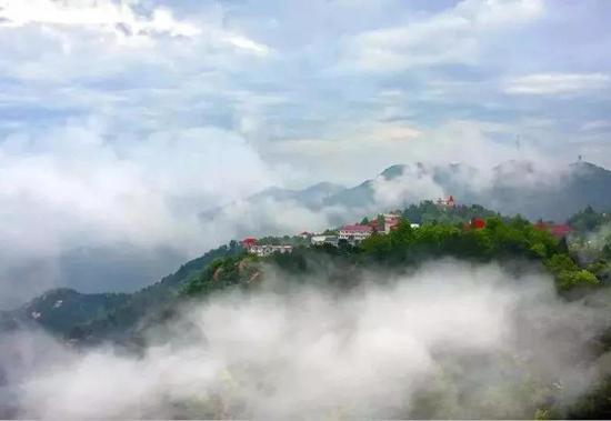 景点名称:鸡公山