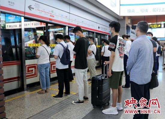 郑州地铁端午节延长运营时间 坐