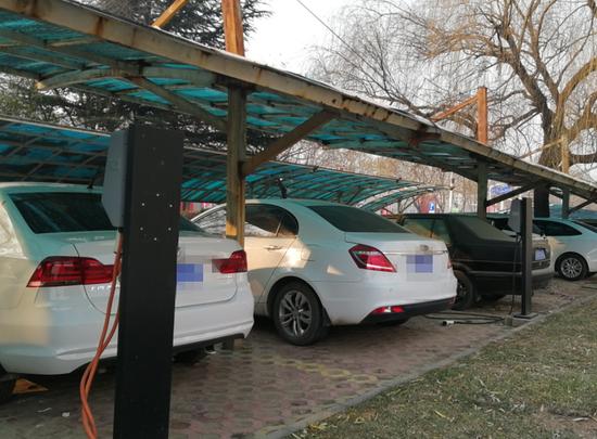 共享新能源汽车充电遭遇同样尴尬