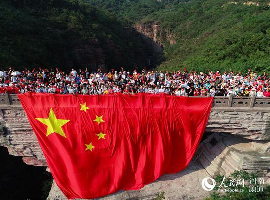 国庆假期河南旅游收入502亿元 红色游火爆