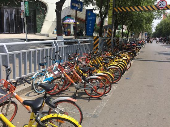 郑州已建设公共停车位32480个 预计年底前完成5万个