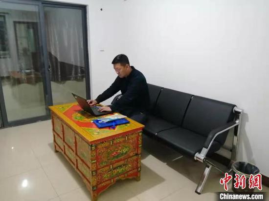 图为河北支教老师孔晓峰。孔晓峰供图