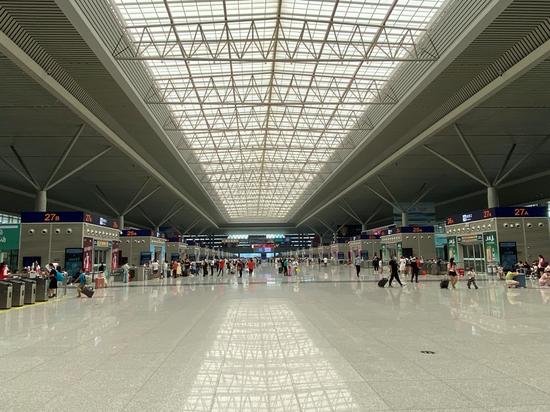 郑州东站高铁班次陆续恢复