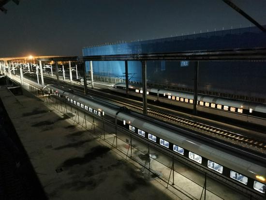 郑州南站建设关键施工:进行第三次联调联试 开启同场转线