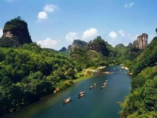 七十二潭景区、七峰山生态旅游区、望花湖风景区、楚长城遗址、炼真宫