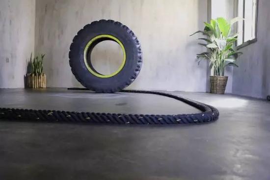 轮胎和战绳