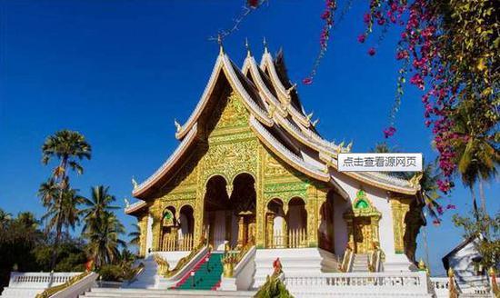 """这里被评为""""全球最佳旅游目的地""""。美丽的自然风光与贫困朴实的生活,使得老挝宛如一个失落的天堂。"""