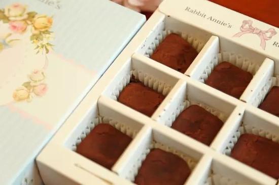 ▲入口即化超丝滑的生巧克力